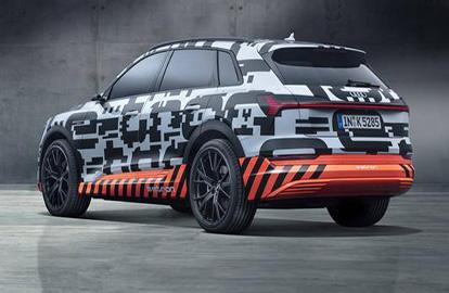 e-tron作为奥迪首款纯电动SUV亮相,一根烟的时间即可充满电