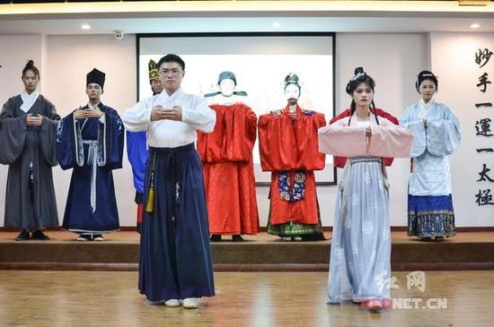 灼灼其华 湘潭汉服年会秀出传统文化之美